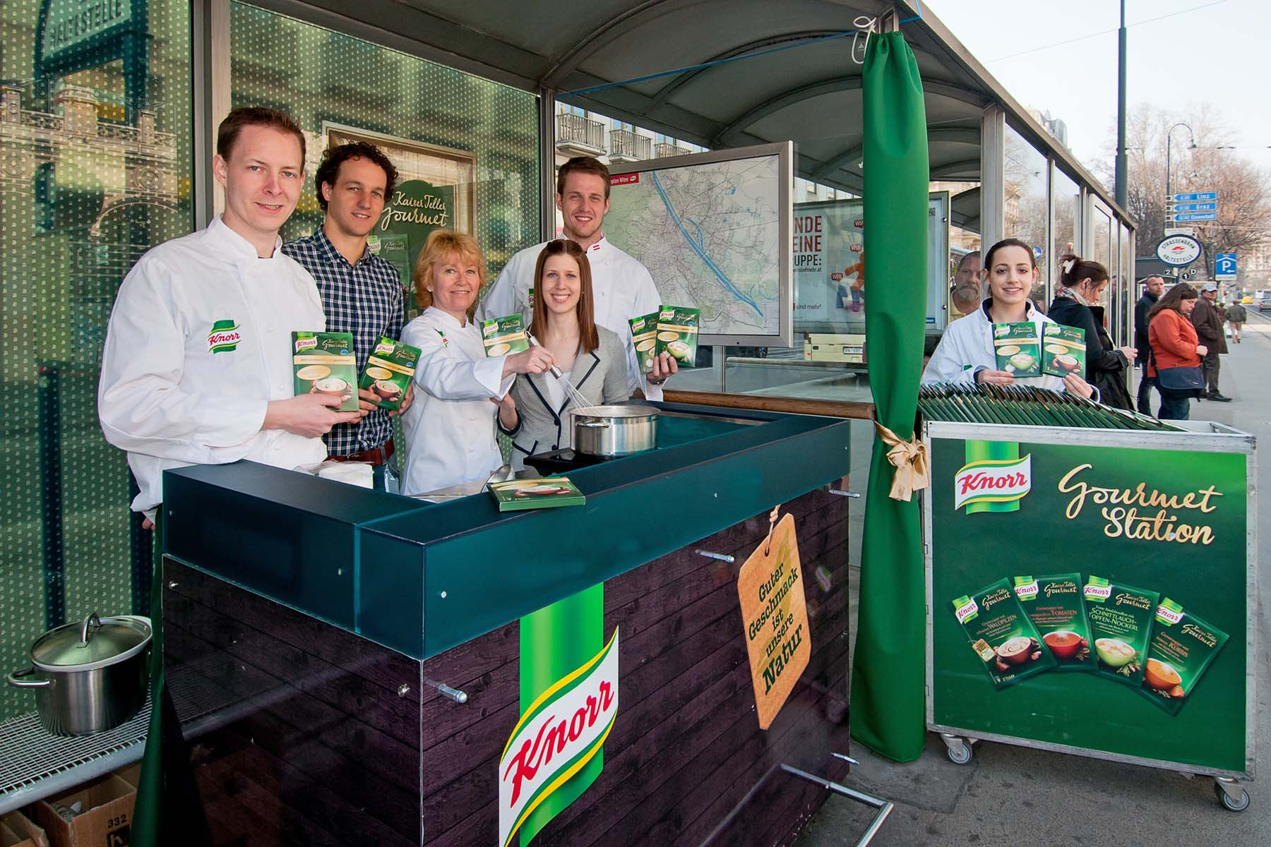 KNorr Gourmet Station Guerilla Marketing Division4 Wien Alex Zoubek